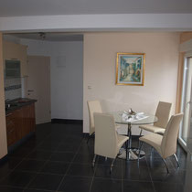 Eating area and fully equipped kitchen
