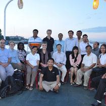Zum Abschluss schippern wir mit wichtigen Geldgebern den Mekong entlang.
