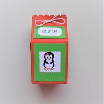Weihnachtsbox in Form einer Milchtüte für kleine Weihnachtsgeschenke