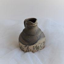 Vase braun-beige mit Henkel