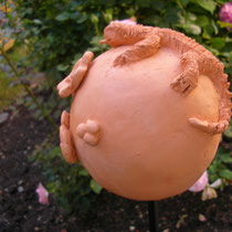 Rosenkugel mit Eidechse