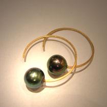 Boucles Balancelles or jaune et perle de Tahiti