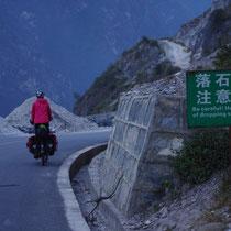 doorsteek door de Tiger Leaping Gorge - China