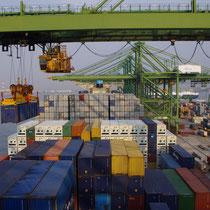 laden van 11.400 containers