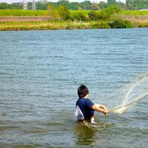 江戸川で投網