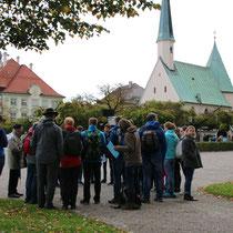 Vor der berühmten Gnadenkapelle