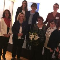 Die FU-Damen Seukendorf mit der Jubilarin Marga Hetzner