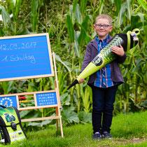 Schulanfang Kind Traktor Tafel