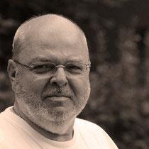 Heinz-Werner Künstler, Schlagwerk, Percussion, (un manchmol singt er mit), LATWERCH UNPLUGGED