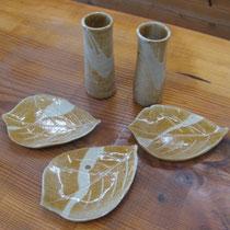 椿の種の灰で調整した釉薬は、趣のある雰囲気に調整できる。
