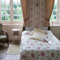 la chambre d'Hélène et ses décors romantiques