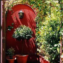 Im Ausssenbereich sehr effektvoll mit Pflanzen. Bildquelle: daun.tumblr.com
