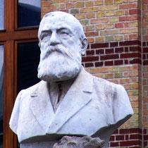 Buste d'Alphonse Fiquet