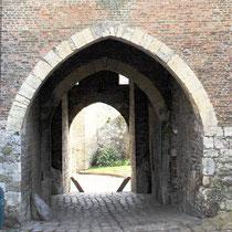 L'autre entrée de la porte de Nevers avec un seul chasse-roue