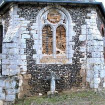 Au chevet de l'église de Toeufles