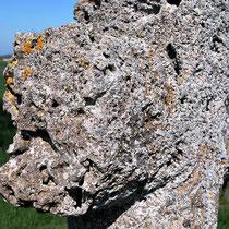 Oisemont- Bras de la croix en tuf