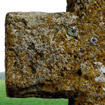 Aigneville-Hocquélus-Bras de la croix en tuf
