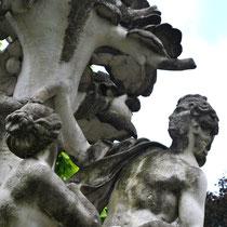 """Le groupe """"Angélique et Médor""""- Jardin à gauche du Cirque-"""