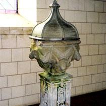 Fonts baptismaux de l'église de Noyelles-en-Chaussée