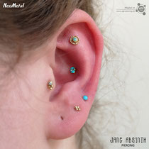 Curated Ear mit Tragus, Conch, Flat Helixund Ohrläppchen Piercings