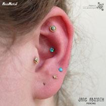 Curated Ear mit Tragus, Conch, Flat Helixund Ohrläppchen Piercings