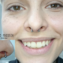 Frisches Septum Piercing mit dem Titanring.