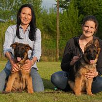 Iris mit Dingo von Adeloga & Friederike mit Dolce von Adeloga
