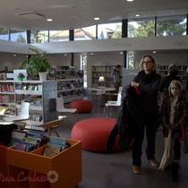La bibliothèque de La Source, pôle culturel et social de Sallebœuf