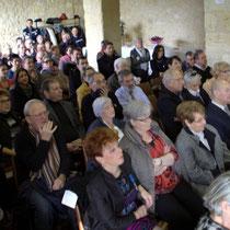 Un public toujours plus nombreux. Remise de l'Ordre national du Mérite à Suzette Grel. Le Pout. 7 février 2015