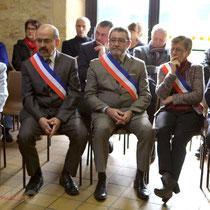 Suzette Grel et Le Conseil municipal de Le Pout, élu en 2014. Remise de l'Ordre national du Mérite à Suzette Grel. 7 février 2015