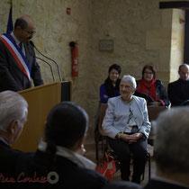 Michel Nadaud, Maire de Le Pout et Suzette Grel, récipiendaire de l'Ordre national du Mérite à Suzette Grel.