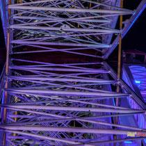 10 La grande roue de la Foire aux plaisirs. Bordeaux, mercredi 17 octobre 2018. Reproduction interdite - Tous droits réservés © Christian Coulais