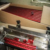 Capsulage et stock dans carton. Château Roquebrune, Cénac, 2 octobre 2007