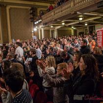 4 Un public qui applaudit longuement les orateurs et intervenantes soutenant Benoît Hamon. Théâtre Fémina, Bordeaux #benoithamon2017