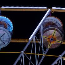 6 La grande roue de la Foire aux plaisirs. Bordeaux, mercredi 17 octobre 2018. Reproduction interdite - Tous droits réservés © Christian Coulais