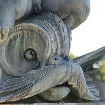 Dauphins réalisés par Amédée Jouandot. Fontaine des Trois Grâces, Bordeaux. Reproduction interdite - Tous droits réservés © Christian Coulais