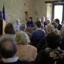 Remise de l'Ordre national du Mérite à Suzette Grel, très émue par cette cérémonie.