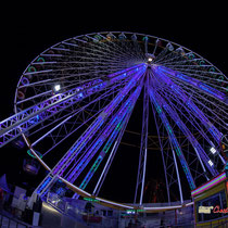 14 La grande roue de la Foire aux plaisirs. Bordeaux, mercredi 17 octobre 2018. Reproduction interdite - Tous droits réservés © Christian Coulais