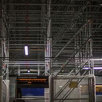 Intérieur nuit, quais d'arrêt du TGV. Composition des trains, Gare Saint-Jean, Bordeaux