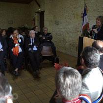 Mathilde Feld, Jean-Marie Darmian, Martine Faure, Françoise Cartron. Remise de l'Ordre national du Mérite à Suzette Grel. Le Pout. 7 février 2015