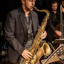 Paul Robert, saxophones; Aurélien Gody, contrebasse; Carmen in Swing