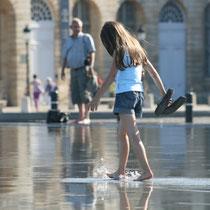 Pataugeoire, miroir d'eau de Bordeaux. Reproduction interdite - Tous droits réservés © Christian Coulais