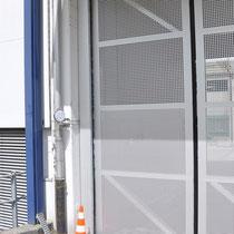 TAT Torautomatik Team AG, Falttor mit Antrieb (in Zusammenarbeit mit der Firma CreaTor AG), Ebmatingen ZH