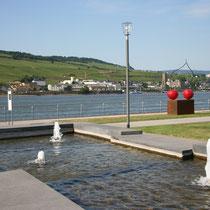 Rheinufer Gartenanlage