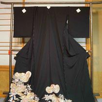 黒留袖 鴛鴦柄 金駒刺繍