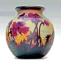 Vase en pâte de verre gravée époque Art Déco (vers 1920)