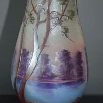 Vase ovoïde en verre à décor lacustre (vers 1920 - 1935)
