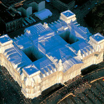 The Wrapped Reichstag. 1994