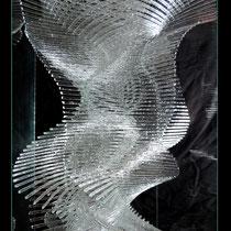 Serpentine (détail) - vitrine de 27/27/65 cm, à insérer dans une colonne