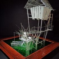 Mon petit coin de bayou - cabane composée de baguettes et de lamelles de verre de 1 et 2 mm